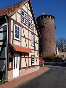 Romantisches Fachwerkhaus direkt an der Rapunzelburg.