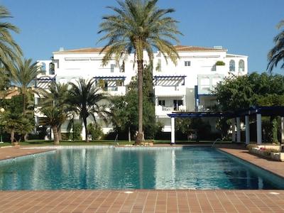 Apartamento cerca de la playa, planta 1 con ascensor, 1 dormitorio, aire acondicionado, picine, TV,