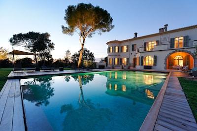 Ihr privates Chateau in einer tollen Lage, in der Nähe vom Meer & dem Strand!