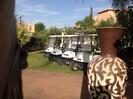 A la villa, 4 carts de golf disponibles pour vos déplacements dans le resort.