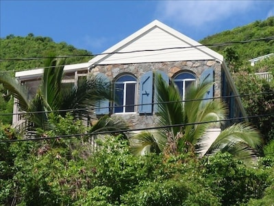 Front view of Stoneharbor Cottage