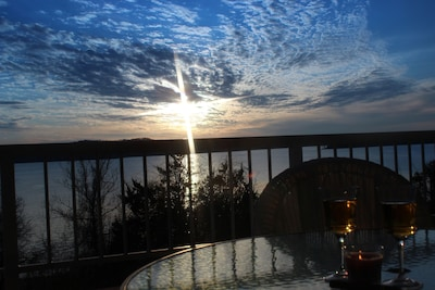 Fabulous Patio View Overlooking The Main Channel Of Table Rock Lake