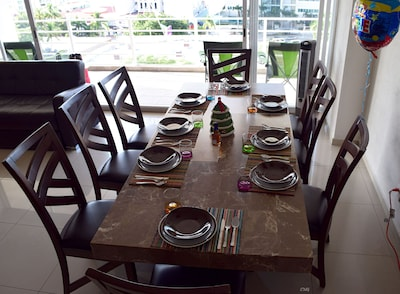 2 tones Marble table and full service set for 8 people