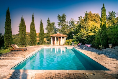 The pool with stunning views to the Pyrenees.