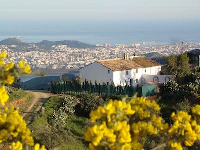 Malaga Mountain Villa con piscina privada e Internet WiFi, fácil acceso a la ciudad