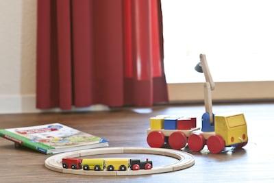 einige Spielsachen sind vorhanden