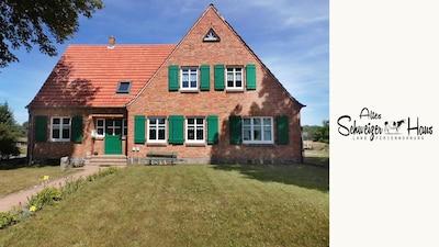 """Das """"Alte Schweizerhaus"""" von vorne"""