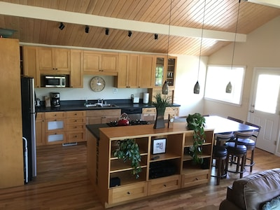 Great room - kitchen, living