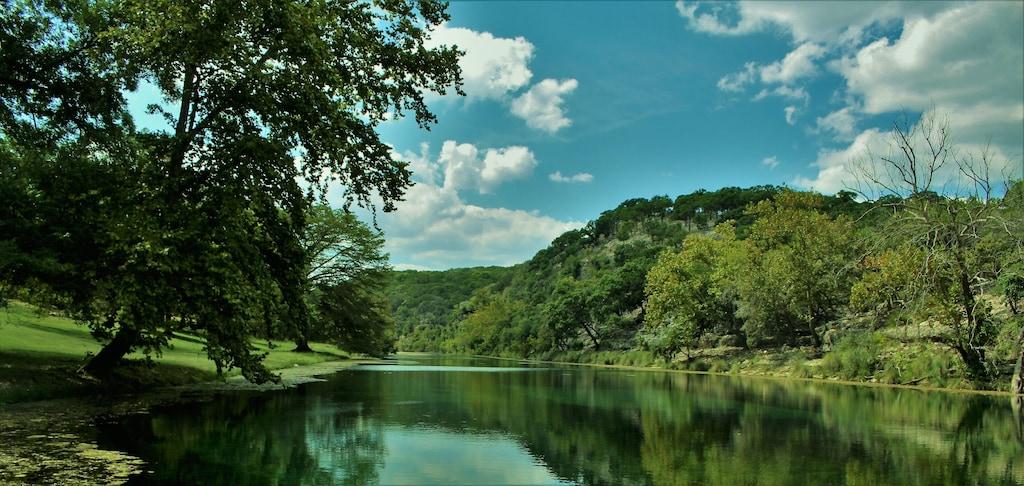 Gorgeous Riverfront