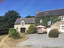 Laurel Cottage sleeps 6 + cot and attached is the Games Barn & Snooker Room