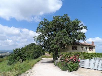 bella casa con vista mozzafiato e piscina privata