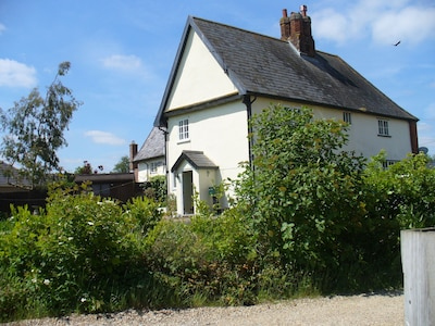 Grade 2 listed cottage with stunning views