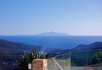 Mer (vue depuis la piscine)