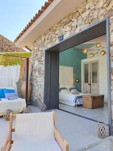 chambre lit en 160cm et sa terrasse