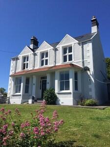 1 Tirionfa - Beautiful house in Treaddur Bay