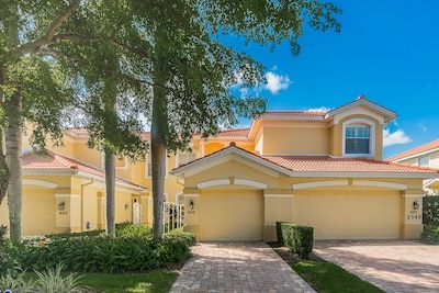 Pelican Marsh, Naples, Florida, United States of America