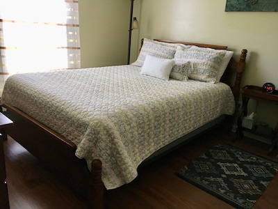 Bedroom #2 with queen size bed. Linen and towels included.