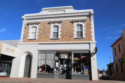 Welcome to the Historic Kapunda School of mines homestay