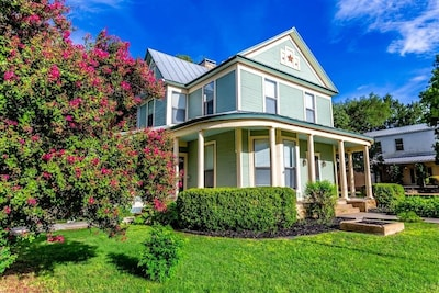 Gorgeous, historic home on the square, best location in Johnson City!