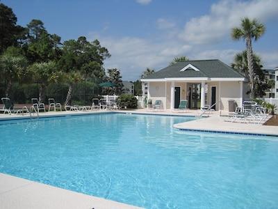 Pool  & Jacuzzi 50 Yds from front door