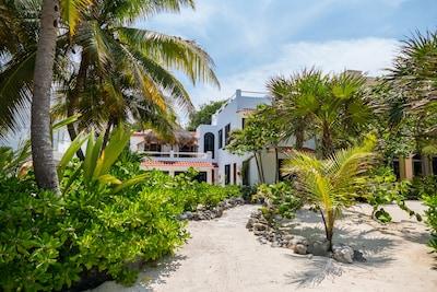 Villa Mayamor Beach Front Villa in South Akumal  - Perfect for your family holiday on the Riviera Maya
