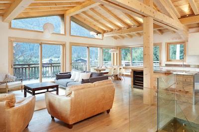 Open plan living - Marmotte Mountain Eco Lodge - Chamonix Chalet