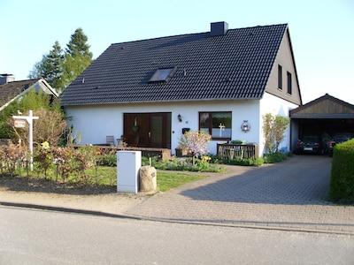 80 qm Fewo im OG unseres EFH bei Plön im Naturpark Holsteinische Schweiz, Dorfla