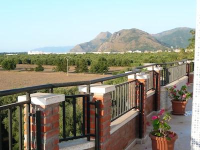 Vue Melbou, Souk-el-Tenine, Djebel Babor depuis la Terrasse privative