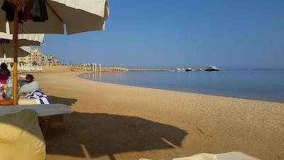 the beach in shalh hasheesh