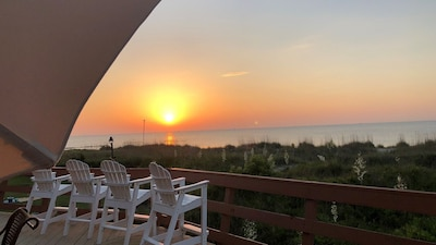 Rise and Shine with a front row seat from the rear deck! Spectacular sight!