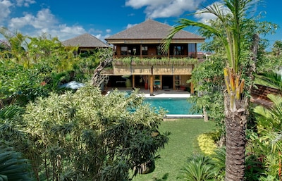 Tropical 8BR Villa by the beach,Seminyak
