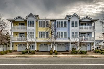 Luxury Condo Vacation Rental - North Wildwood - 1 Block to BEACH