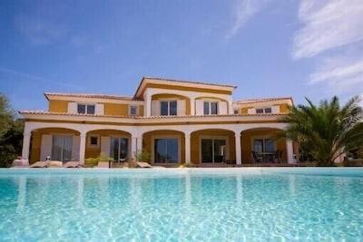 La villa!!
