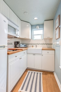 Small yet functional kitchen