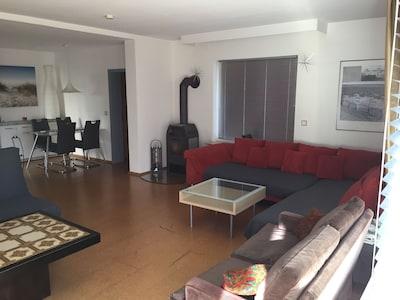 Große helle 2 Zimmer Wohnung