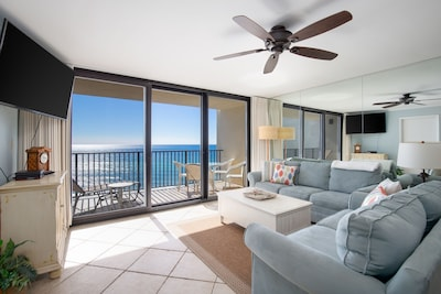 Beautiful beach views from the open living area and comfortable -large smart TV