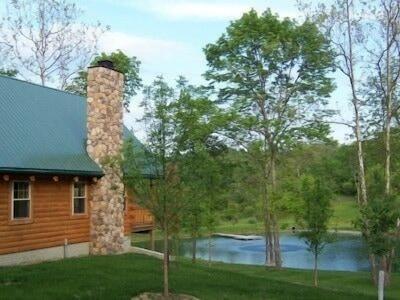 Cabin Overlooking Beautiful Pond