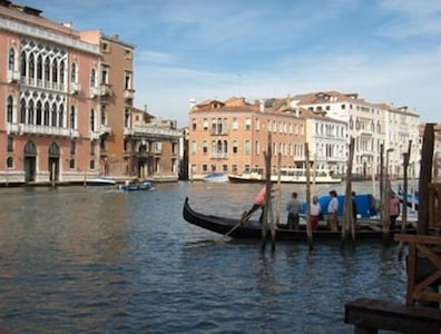 view from room and from our dock toward the Rialto (also visible)