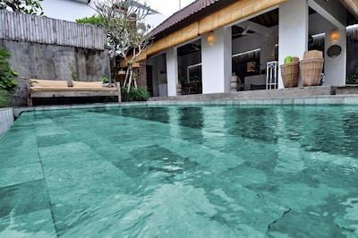 2 Bedrooms Villa For Holiday in Seminyak