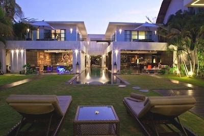 Casa Hannah, Luxury 5Bed Villa, Seminyak