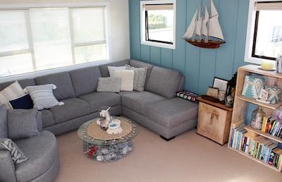 Top lounge/tv room