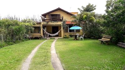 Casa confortável c/ vista p/ o mar c/ wi-fi -  Praia de Ibiraquera.