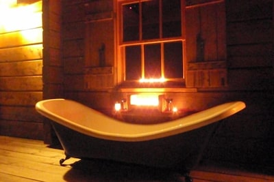 Outdoor Bath on the Deck under the Stars