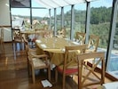 restaurante com vista para as montenhas