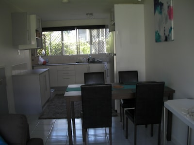Dining area to kithchen
