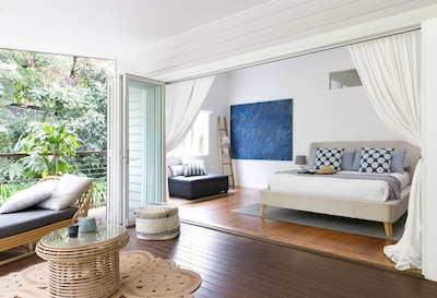 A PERFECT STAY – Mahalo House - upscale Queenslander-style home in Bangalow