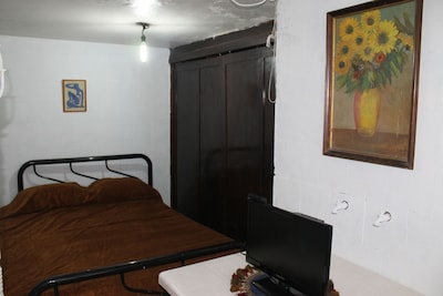 The room has everything needed for a comfortable stay, in addition to having a l
