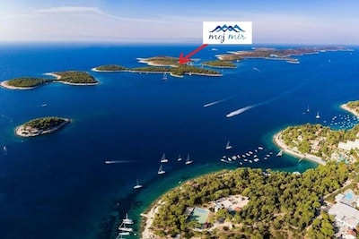 Hvar- robinson house, Pakleni islands- spacious house in secret bay with seaview