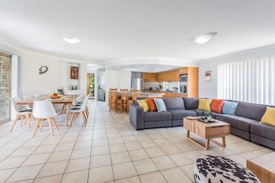 Keperra, Brisbane, Queensland, Australia