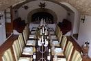 grande salle a manger avec coin cheminée coté daims